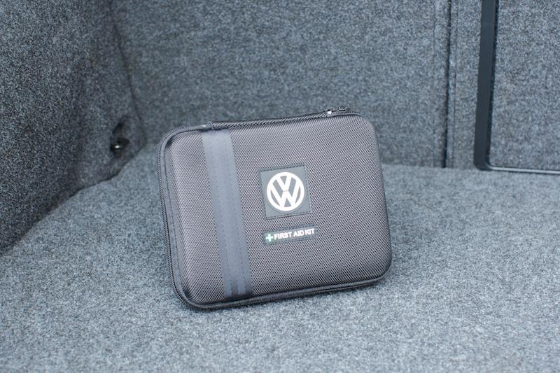 Diagram First Aid Kit - Black (000093108B9B9) for your 2011 Volkswagen Tiguan
